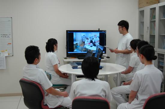 写真:webカンファレンスシステム